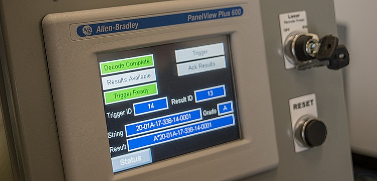 An HMI with customized screens ensures easy system setup, control, and error identification.